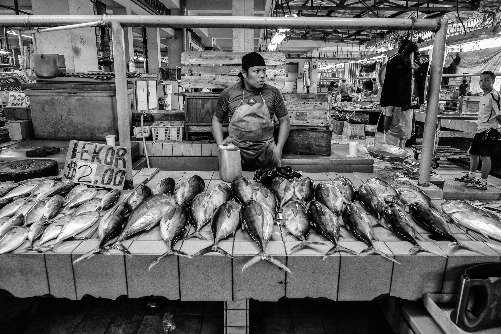 BRUNEI borneo street photography market man