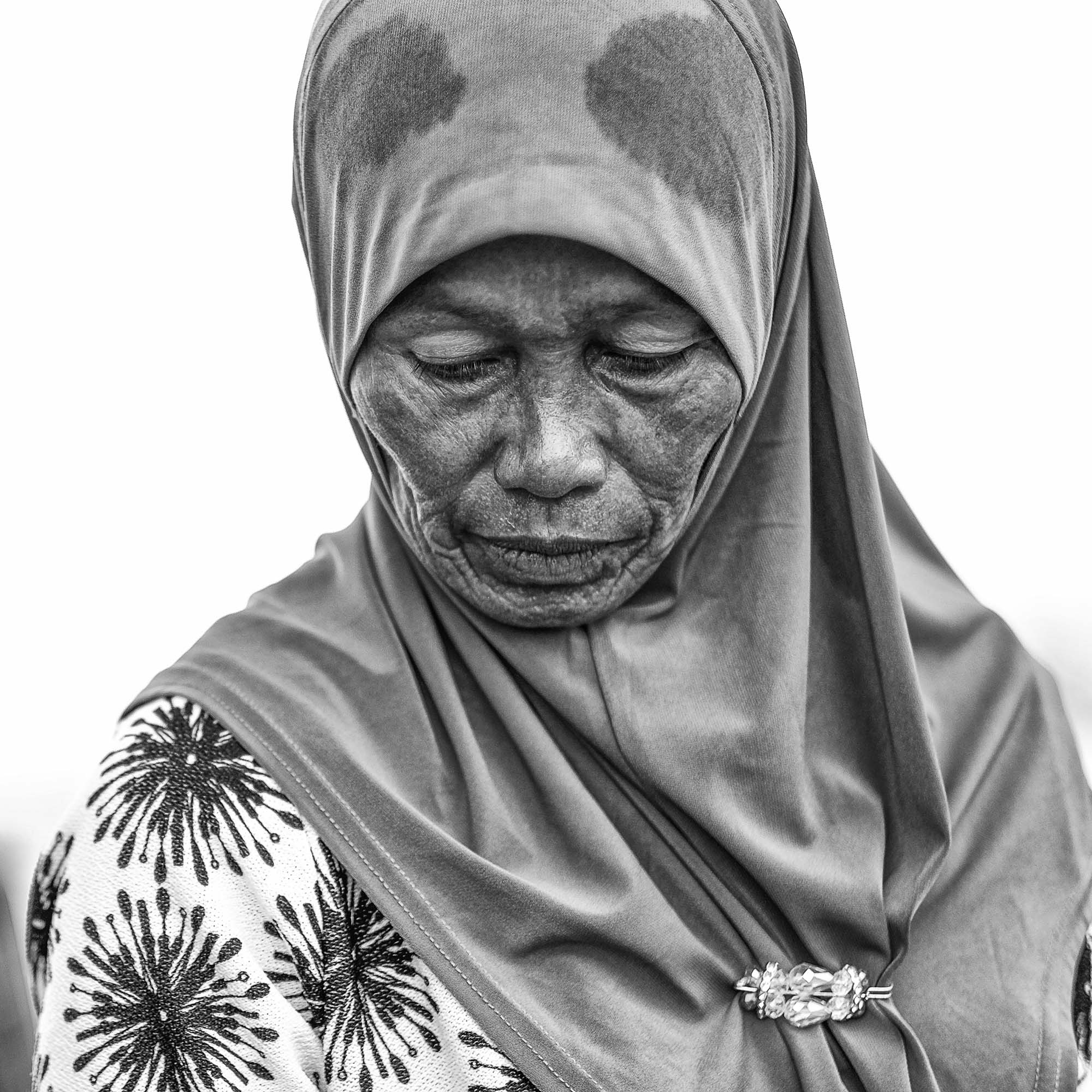 BRUNEI borneo street photography women