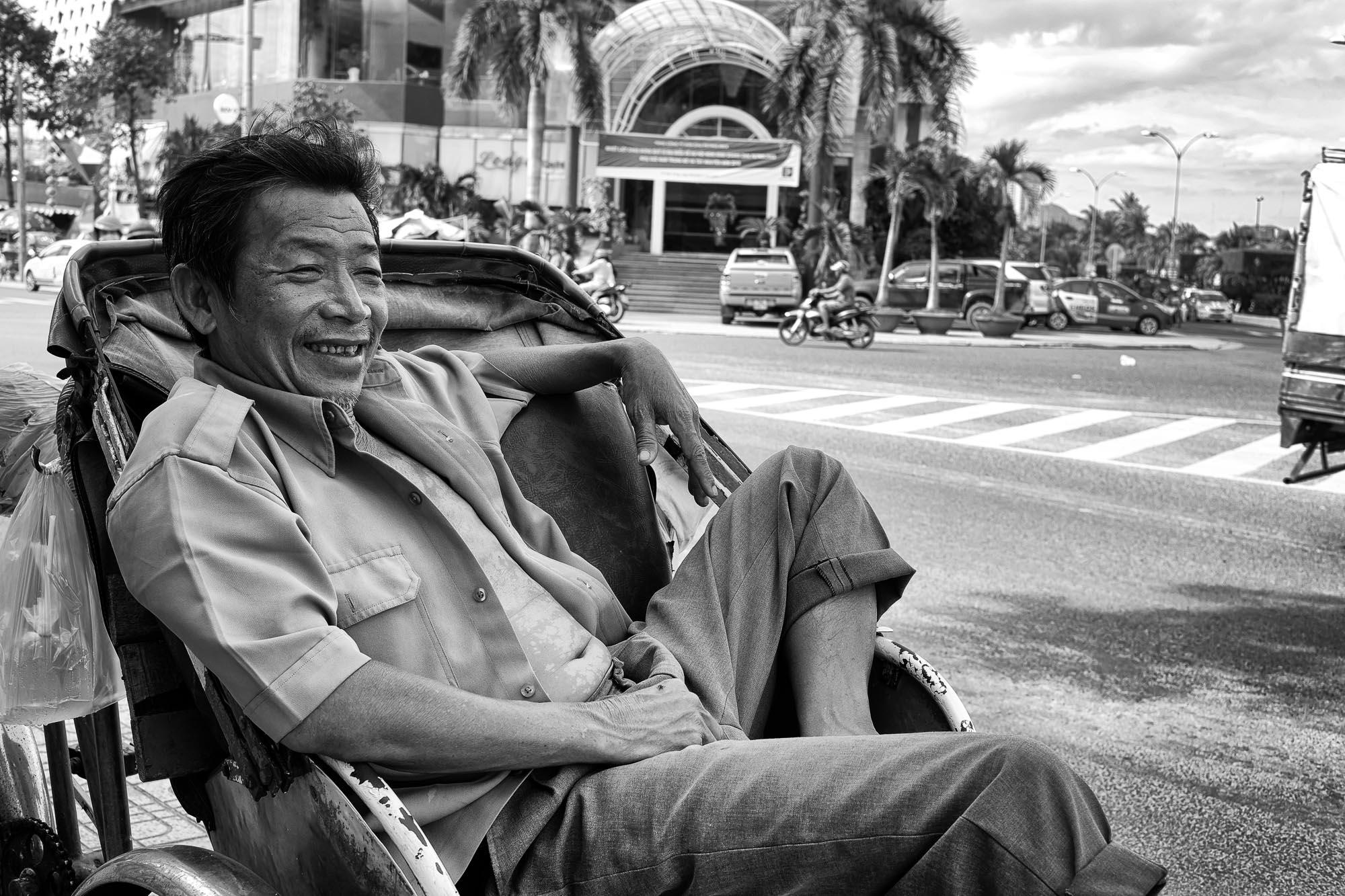 NHA TRANG vietnam asia street photography tuk tuk smile