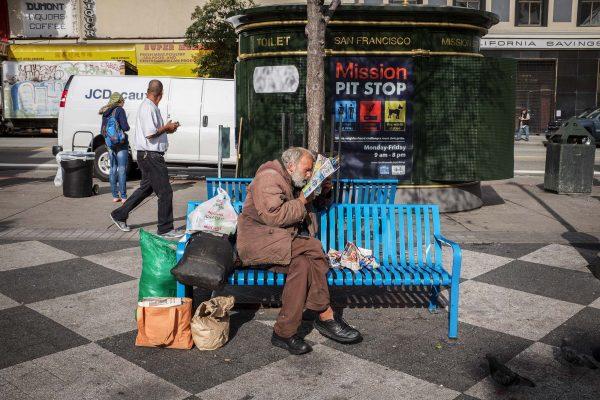 man reading SAN FRANCISCO california ca untited states usa street photography