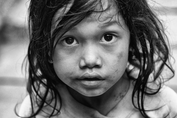 little girl kid angkor wat temple SIEM REAP cambodia asia street photography bw black white