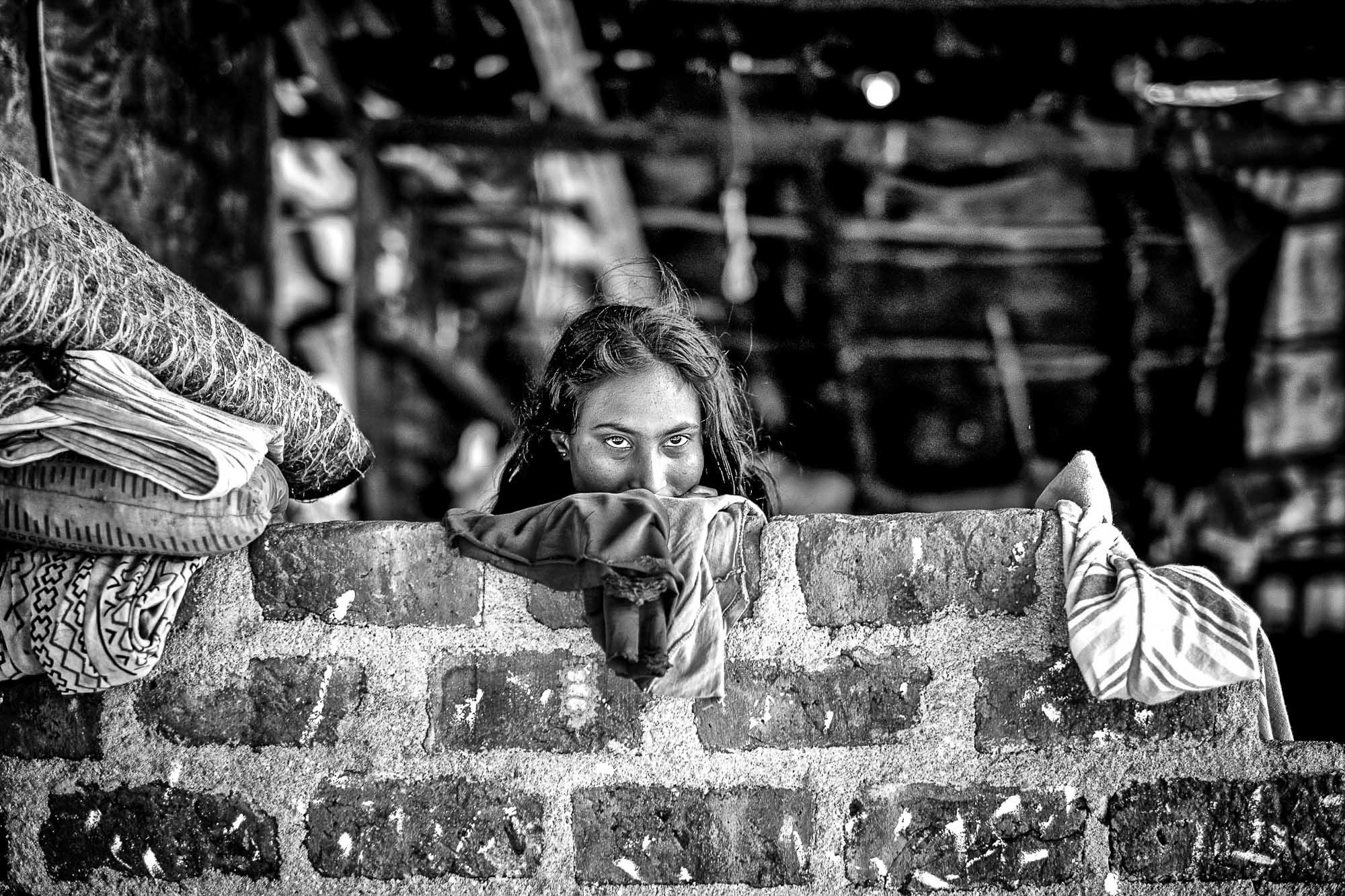 Vadda sri lanka indingenous group people photography - veddas women house eyes