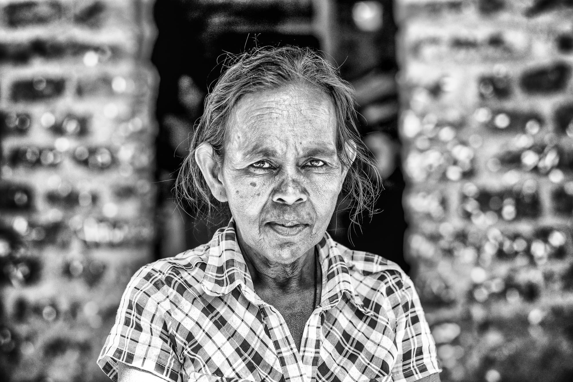 Vadda sri lanka indingenous group people photography - veddas women photograph portrait