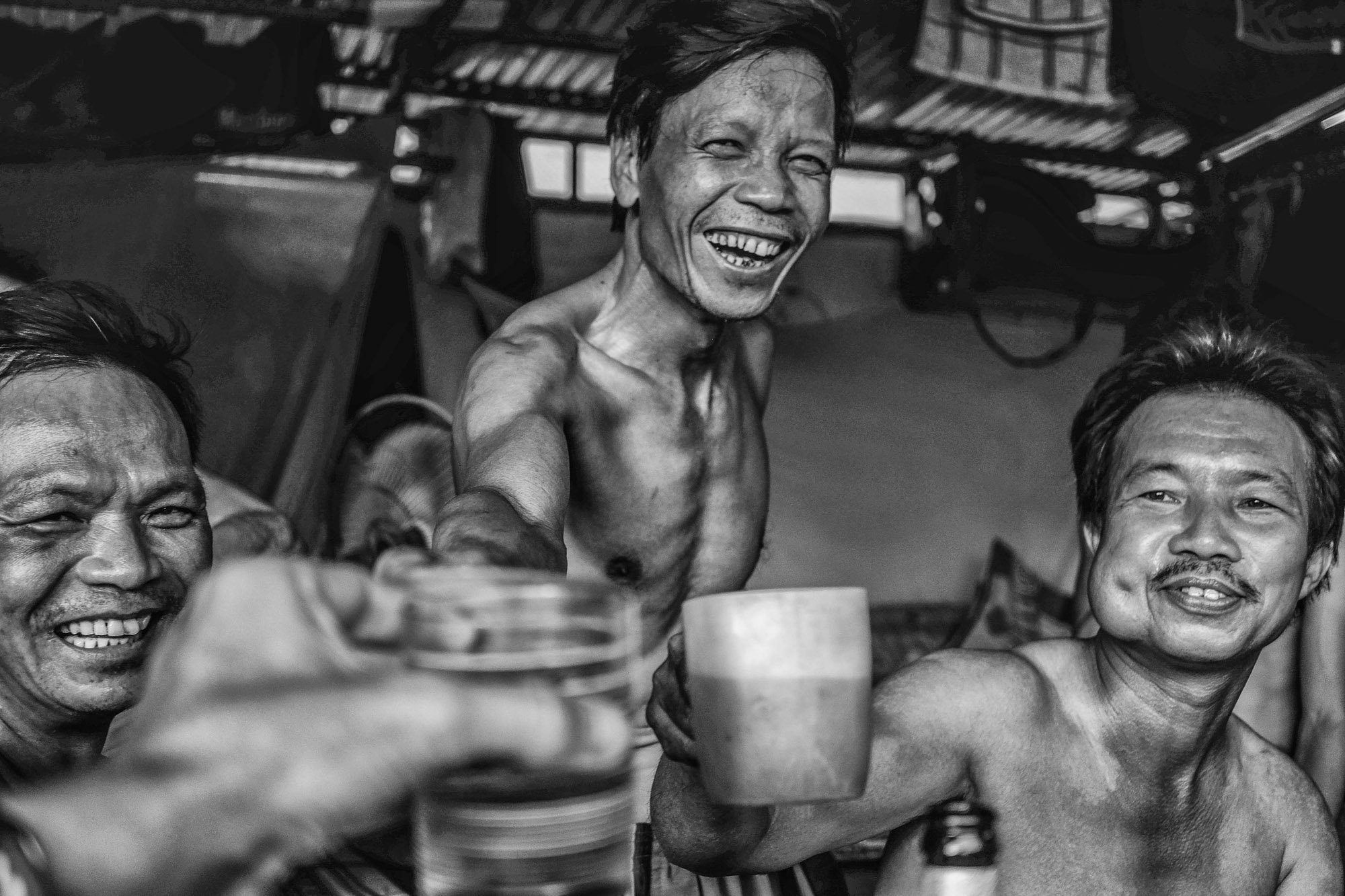 worker vietnamese drinking smiling VIENTIANE Laos asia street photography photographer