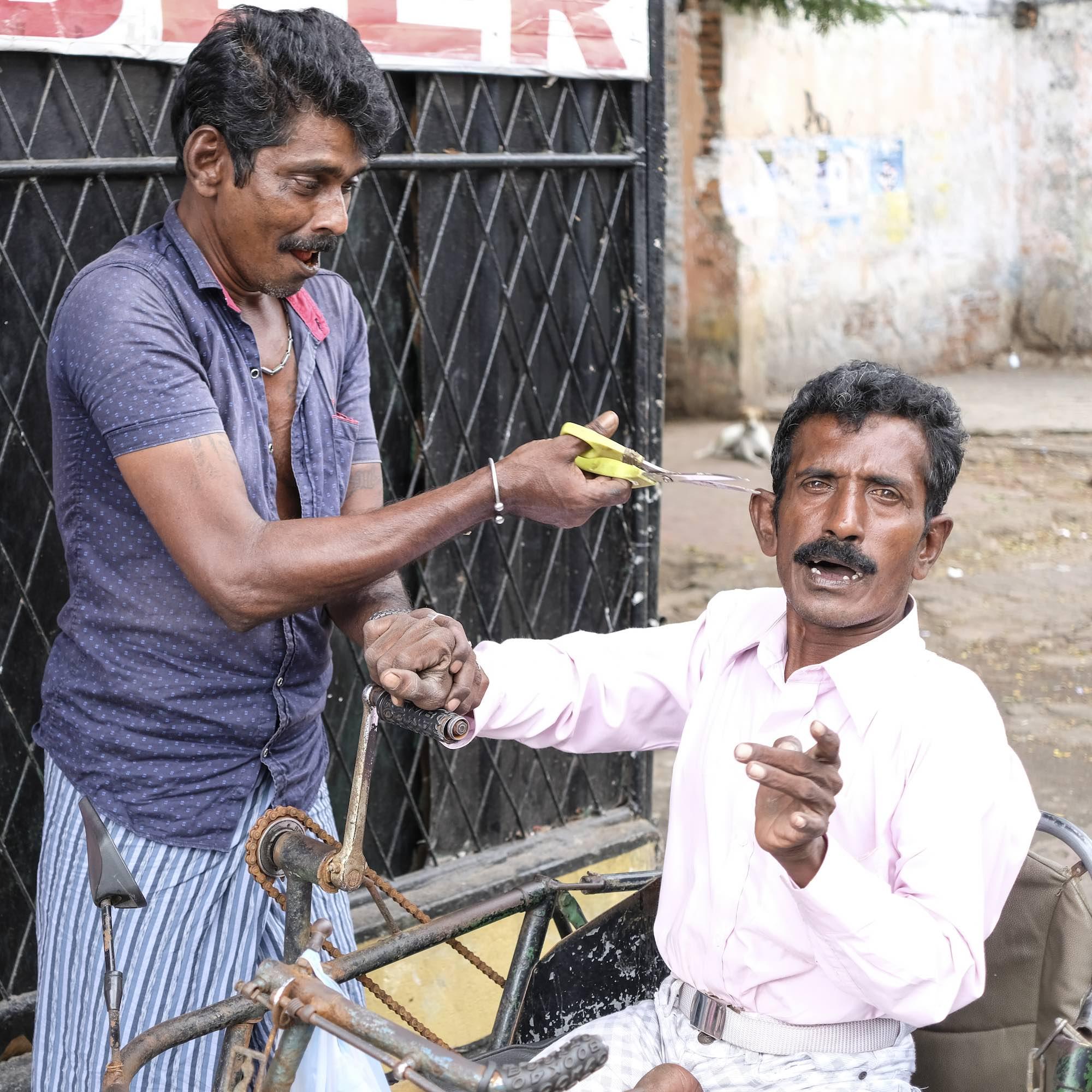 Happy people Sri Lanka Colombo travel fujifilm XE3