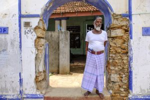 Jaffna Sri Lanka travel Fujifilm XE3 street man muslim blue