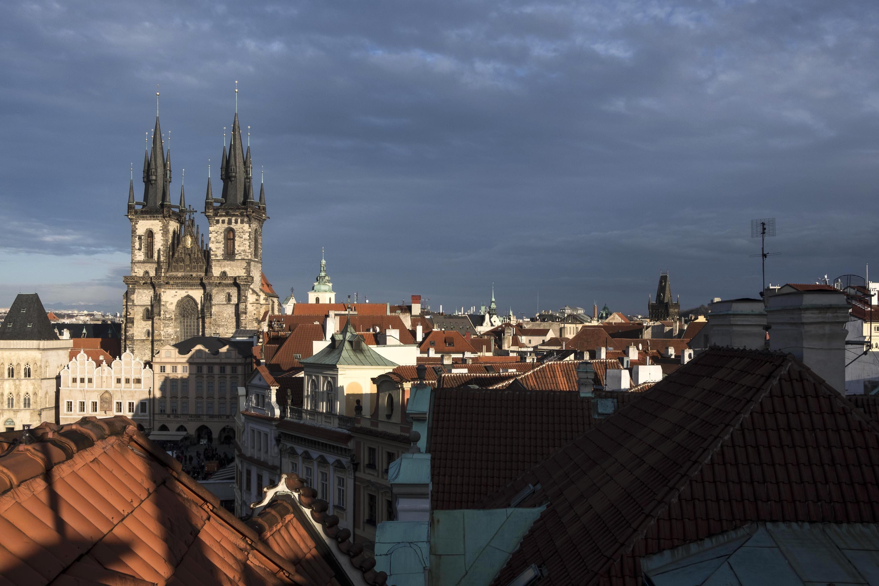 Restaurant prague cz travel journey voyage roof top bar view