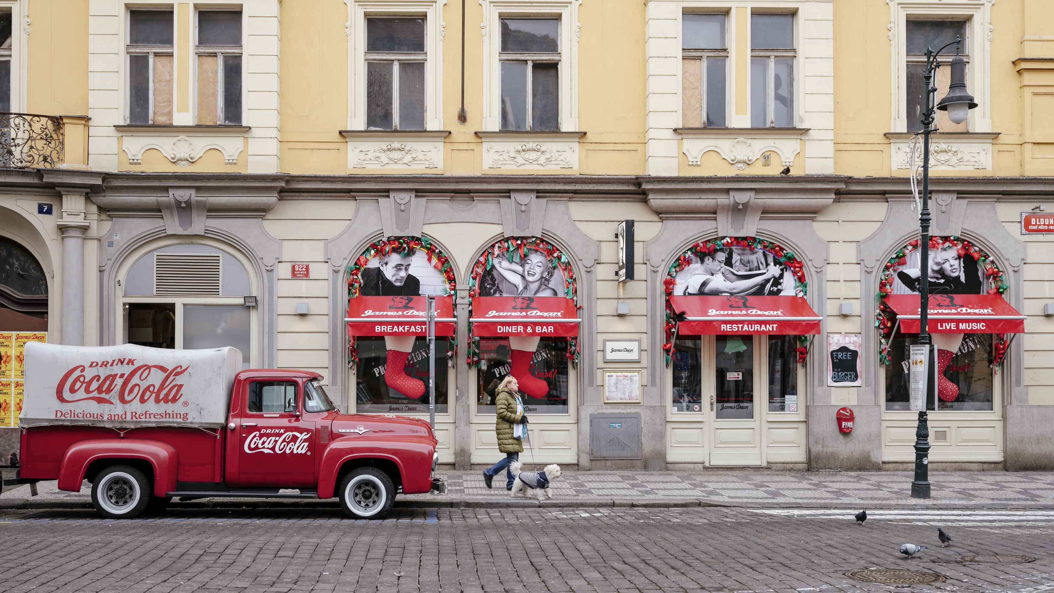 travel journey photography Fujifilm CZ prague jose jeuland editorial restaurant coca cola