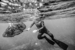 Underwater photography fujifilm xt2 mirroless camera haenyeo jeju