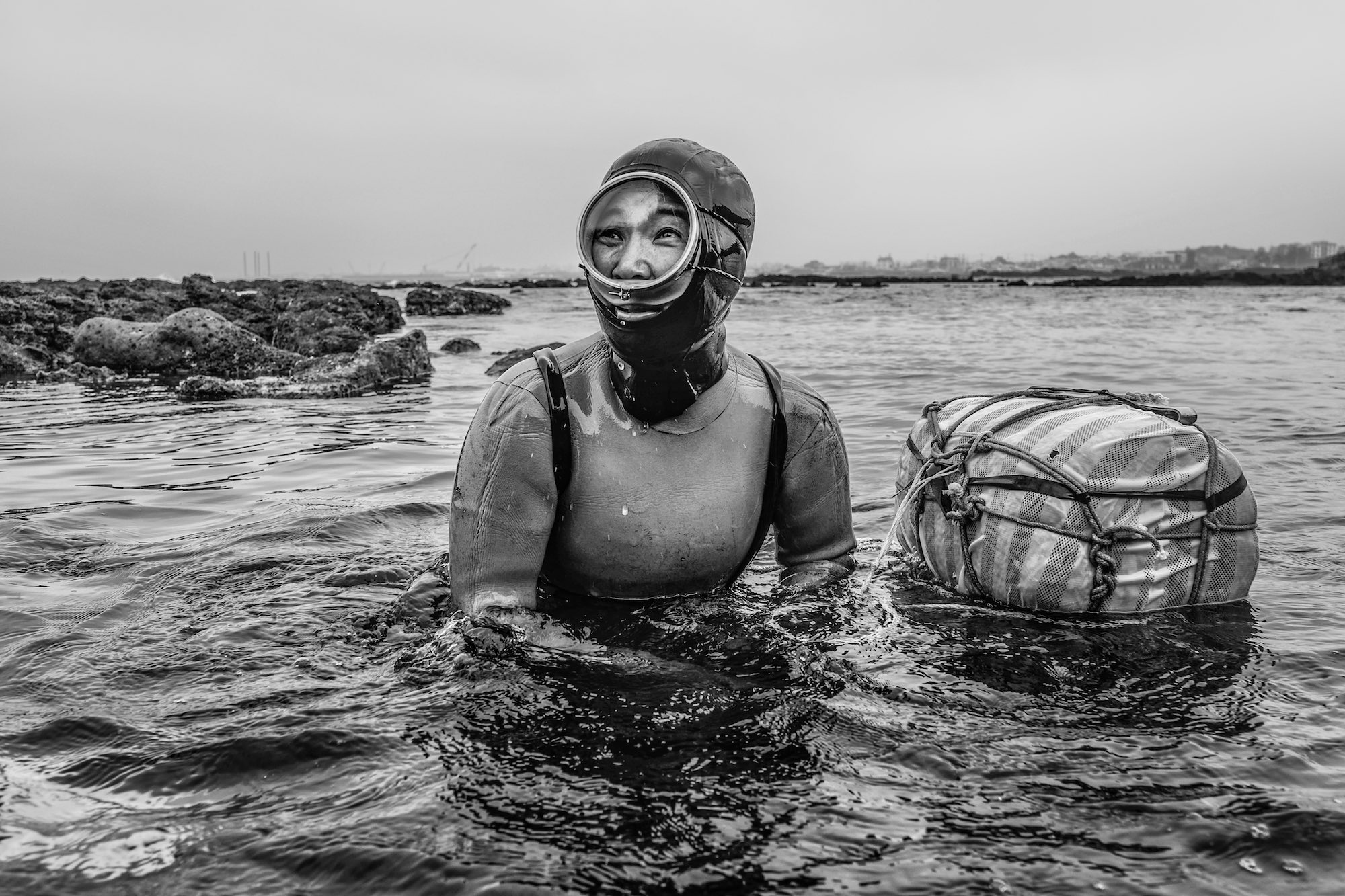 Underwater photography fujifilm xt2 mirroless camera haenyeo jeju island