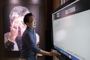photography Exhibition singapore fine art prints jose jeuland benq smart panel daren