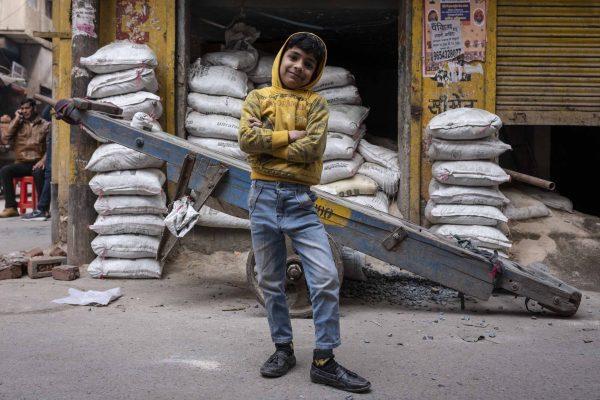 rise kide India New Delhi street photography Photographer Jose Jeuland FUJIFILM GFX50R travel