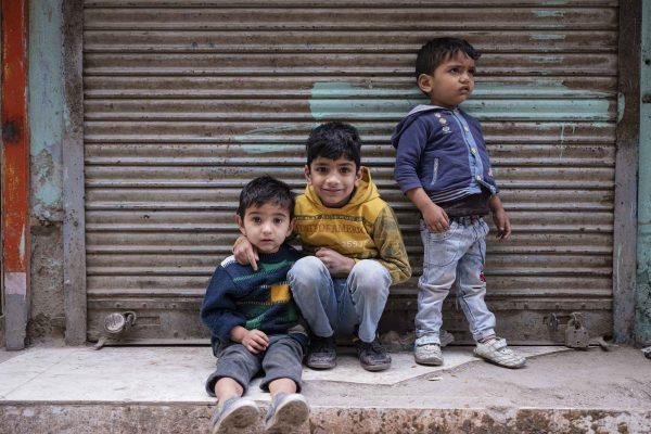 kids India New Delhi street photography Photographer Jose Jeuland FUJIFILM GFX50R travel