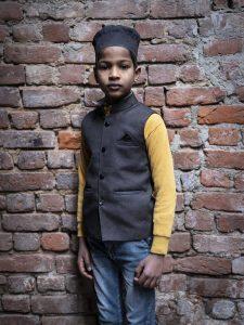 kid old dehli India New Delhi street photography Photographer Jose Jeuland FUJIFILM GFX50R travel