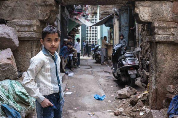 sundae old dehli kids India New Delhi street photography Photographer Jose Jeuland FUJIFILM GFX50R travel