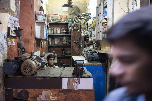 shop store India New Delhi street photography Photographer Jose Jeuland FUJIFILM GFX50R travel