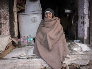 man living India New Delhi street photography Photographer Jose Jeuland FUJIFILM GFX50R travel