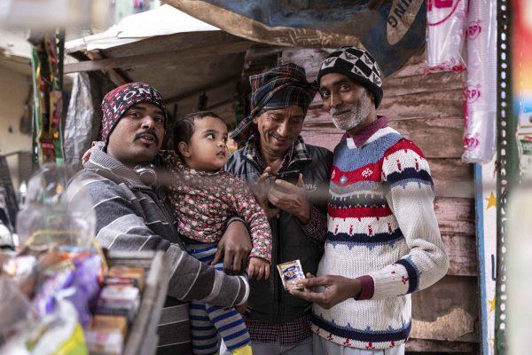 family member India New Delhi street photography Photographer Jose Jeuland FUJIFILM GFX50R travel