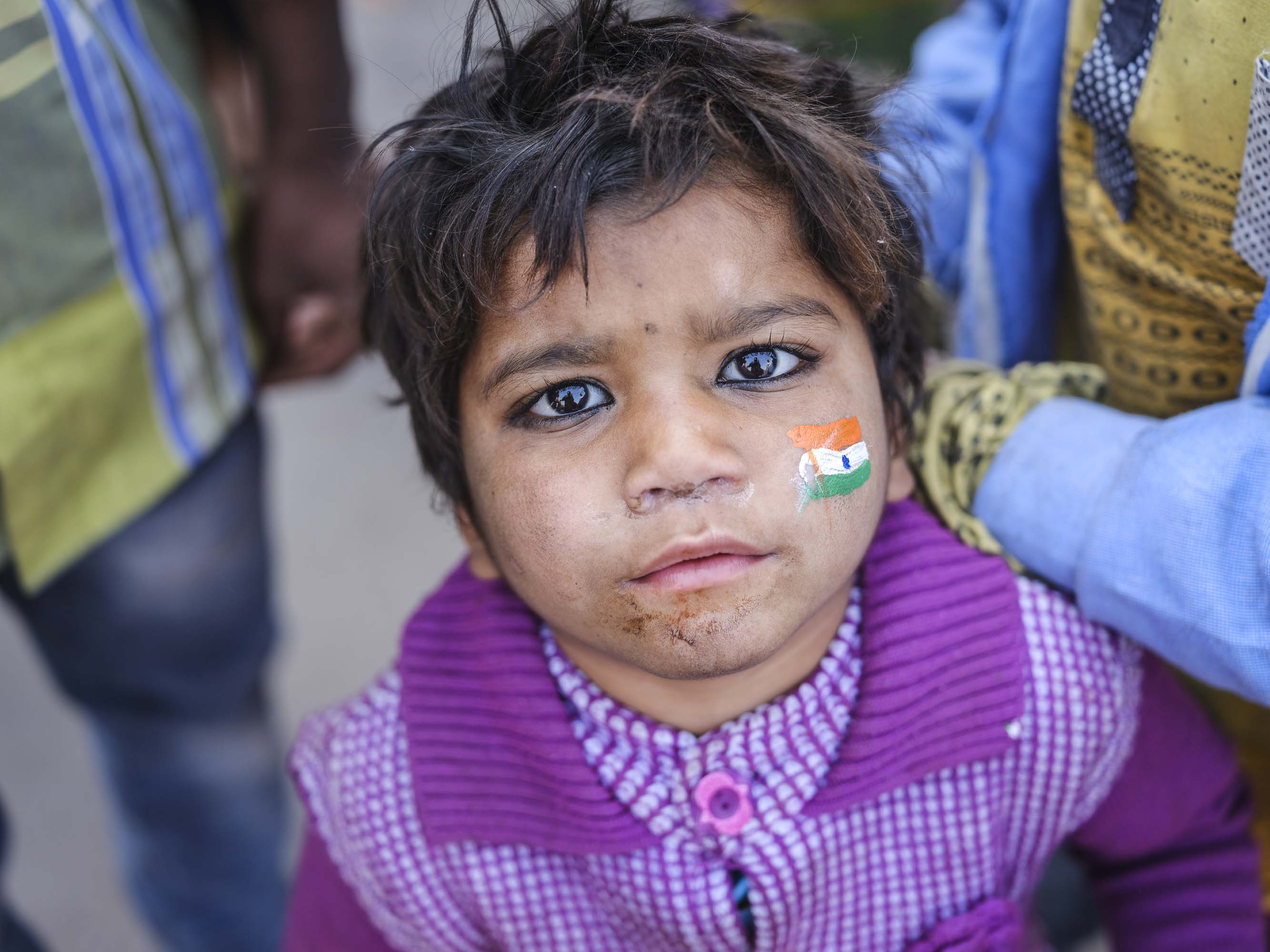national day little girl with a flag India New Delhi street photography Photographer Jose Jeuland FUJIFILM GFX50R travel