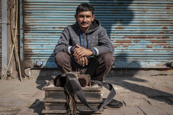 shoemarker India New Delhi street photography Photographer Jose Jeuland FUJIFILM GFX50R travel