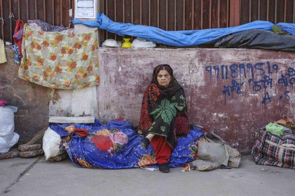 woman India New Delhi street photography Photographer Jose Jeuland FUJIFILM GFX50R travel