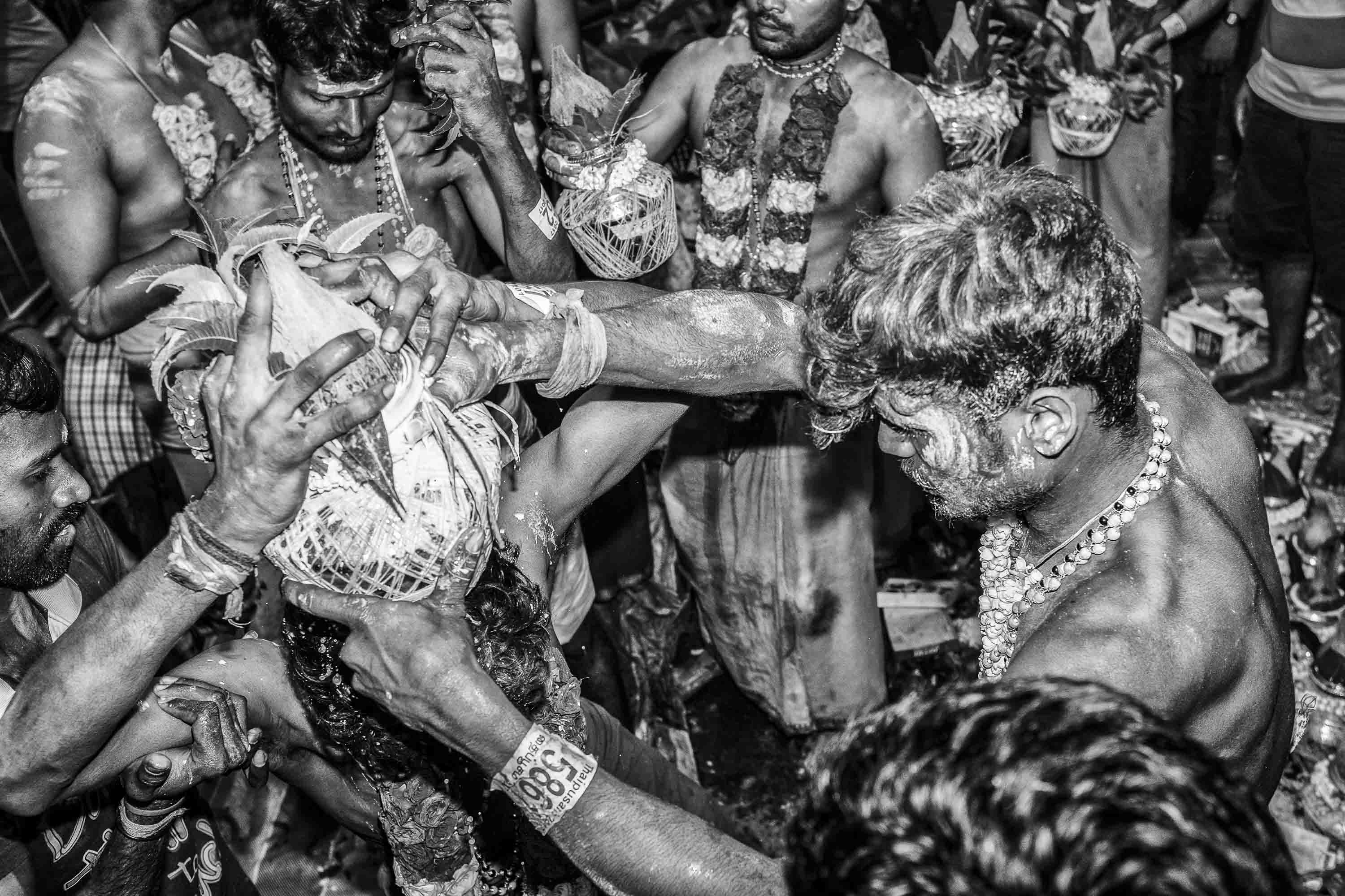 party dance ritual Little India Thaipusam Festival hindu Singapore photography jose jeuland documentary event
