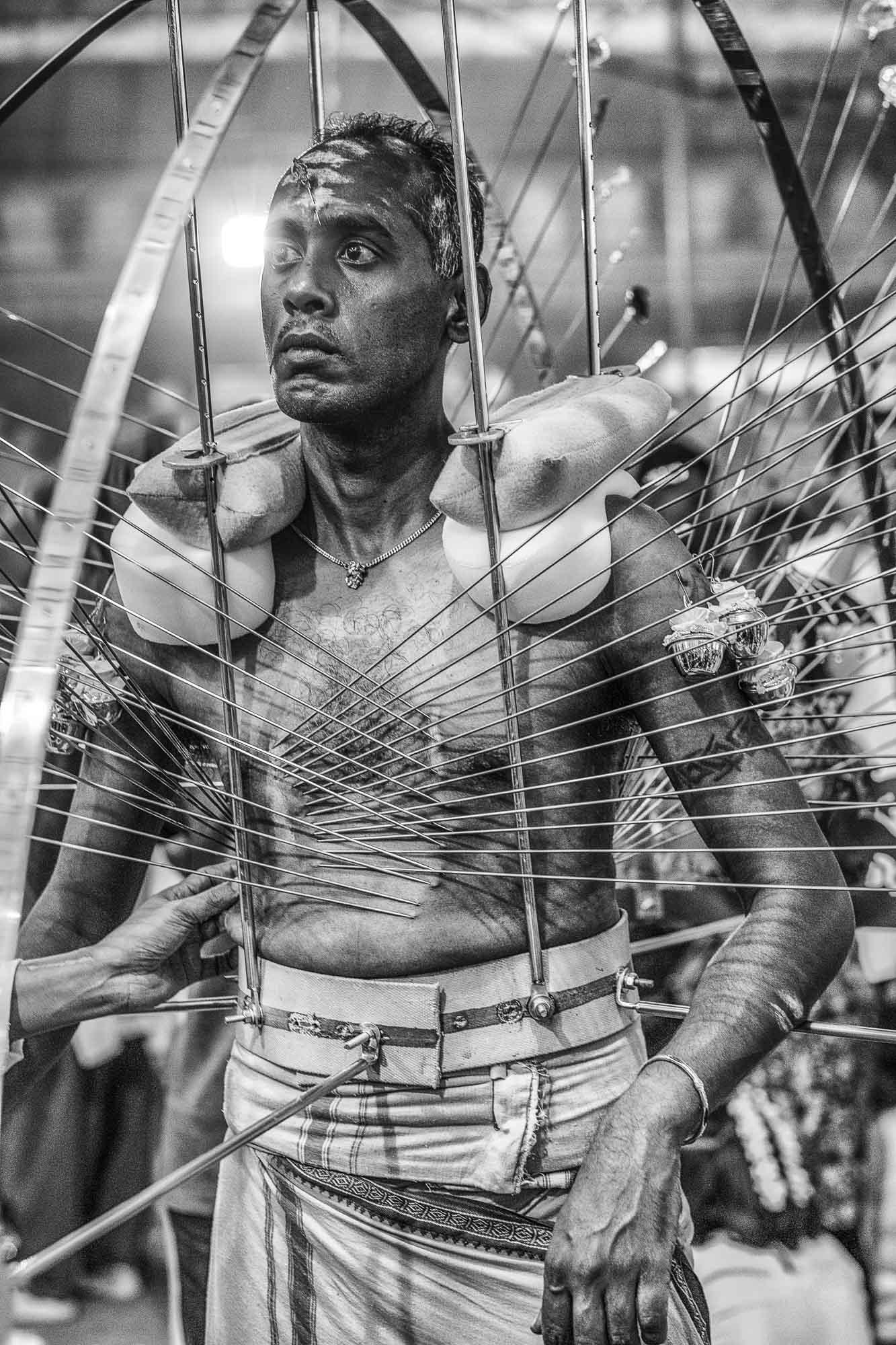 piercing body man temple char Little India Thaipusam Festival hindu Singapore photography jose jeuland documentary event