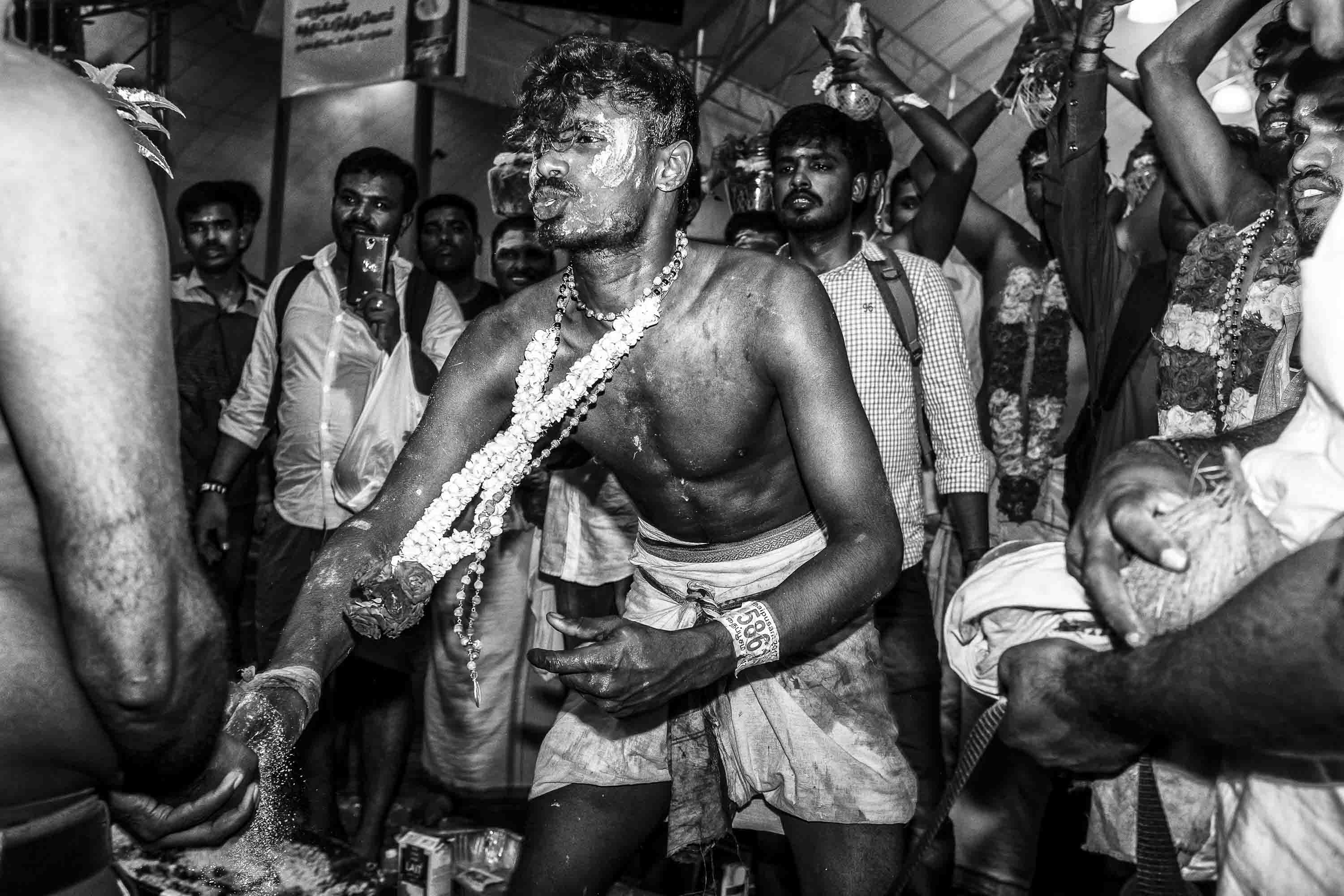 dancing ceremony Little India Thaipusam Festival hindu Singapore photography jose jeuland documentary event