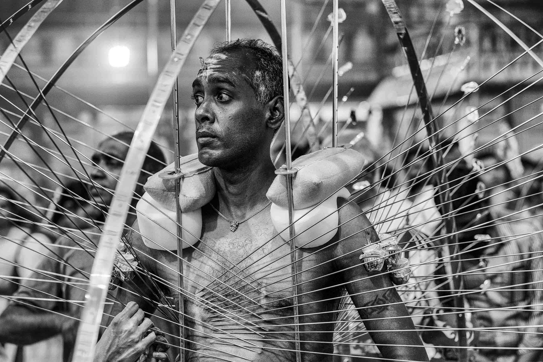 piercing body man pain Little India Thaipusam Festival hindu Singapore photography jose jeuland documentary event