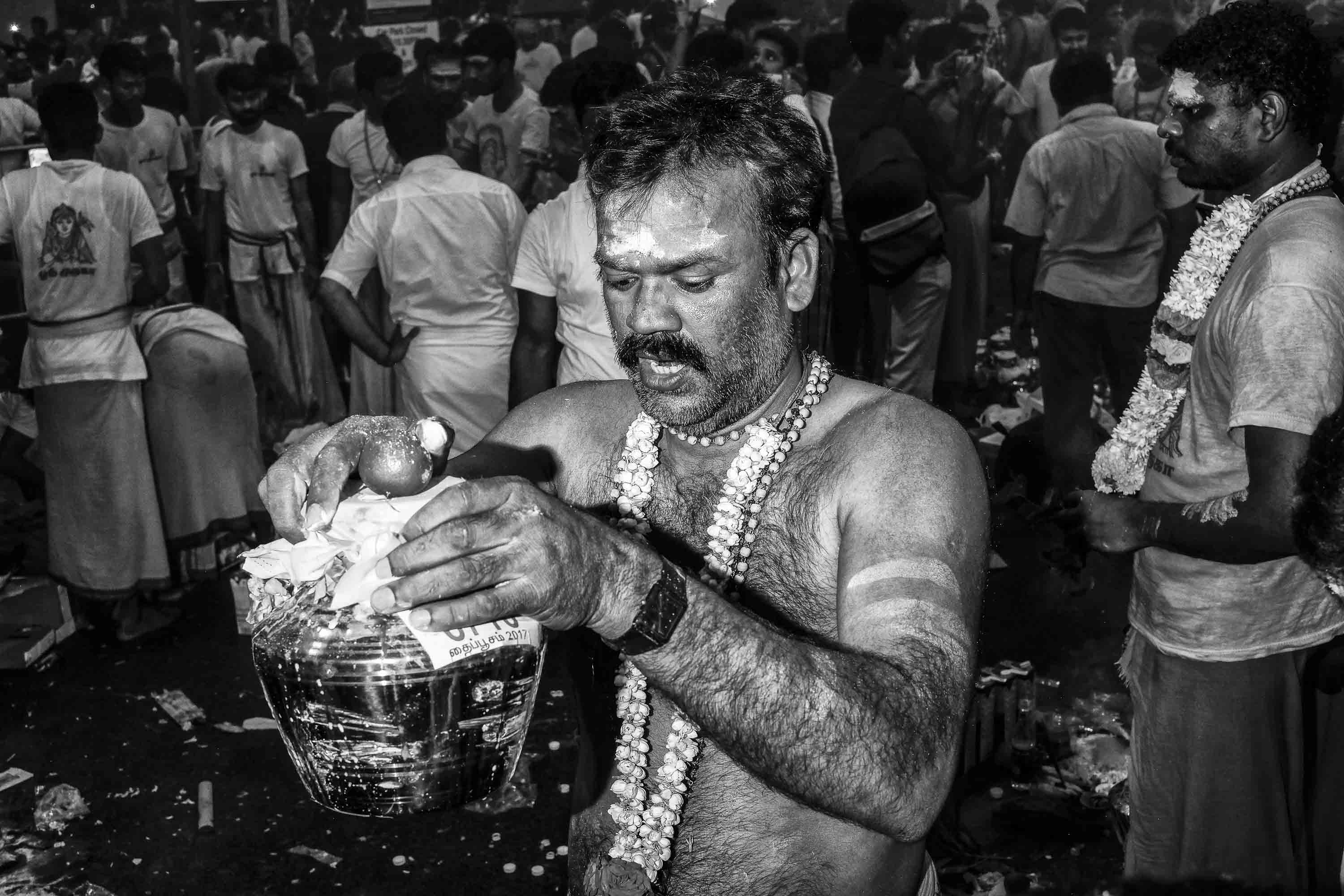 temple Little India Thaipusam Festival hindu Singapore photography jose jeuland documentary event