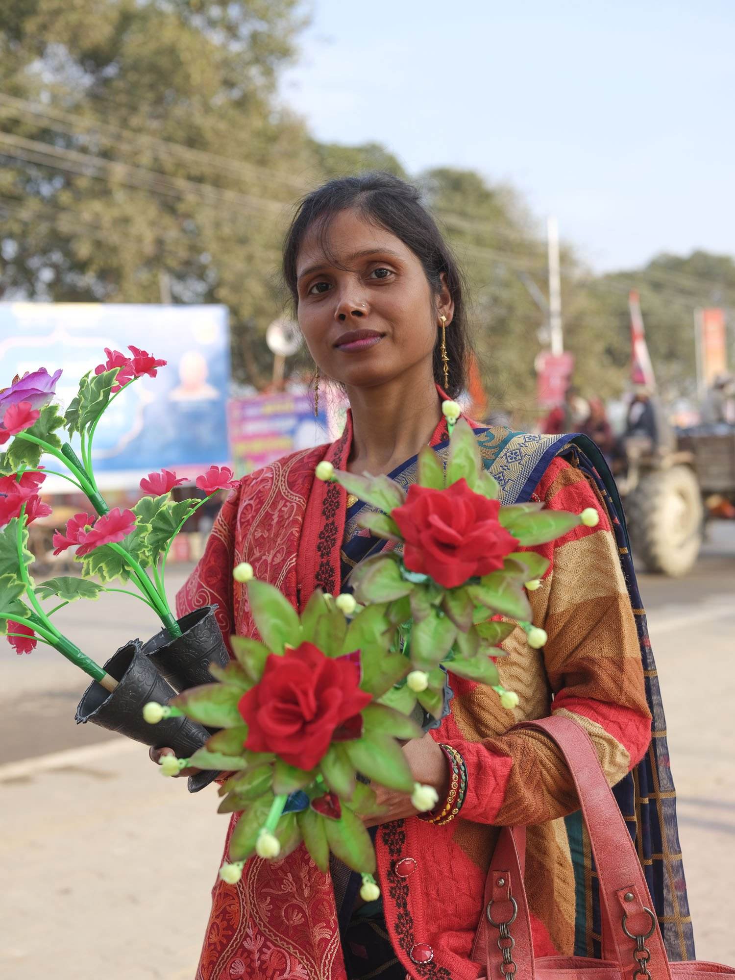 flower shop market pilgrims Kumbh mela 2019 India Allahabad Prayagraj Ardh hindu religious Festival event rivers photographer jose jeuland photography