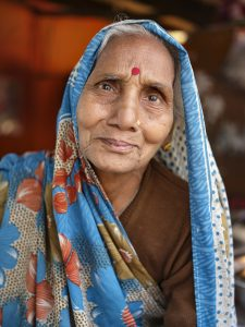 old lady working at the restaurant pilgrims Kumbh mela 2019 India Allahabad Prayagraj Ardh hindu religious Festival event rivers photographer jose jeuland photography