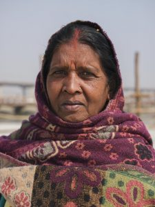 woman pilgrims Kumbh mela 2019 India Allahabad Prayagraj Ardh hindu religious Festival event rivers photographer jose jeuland photography