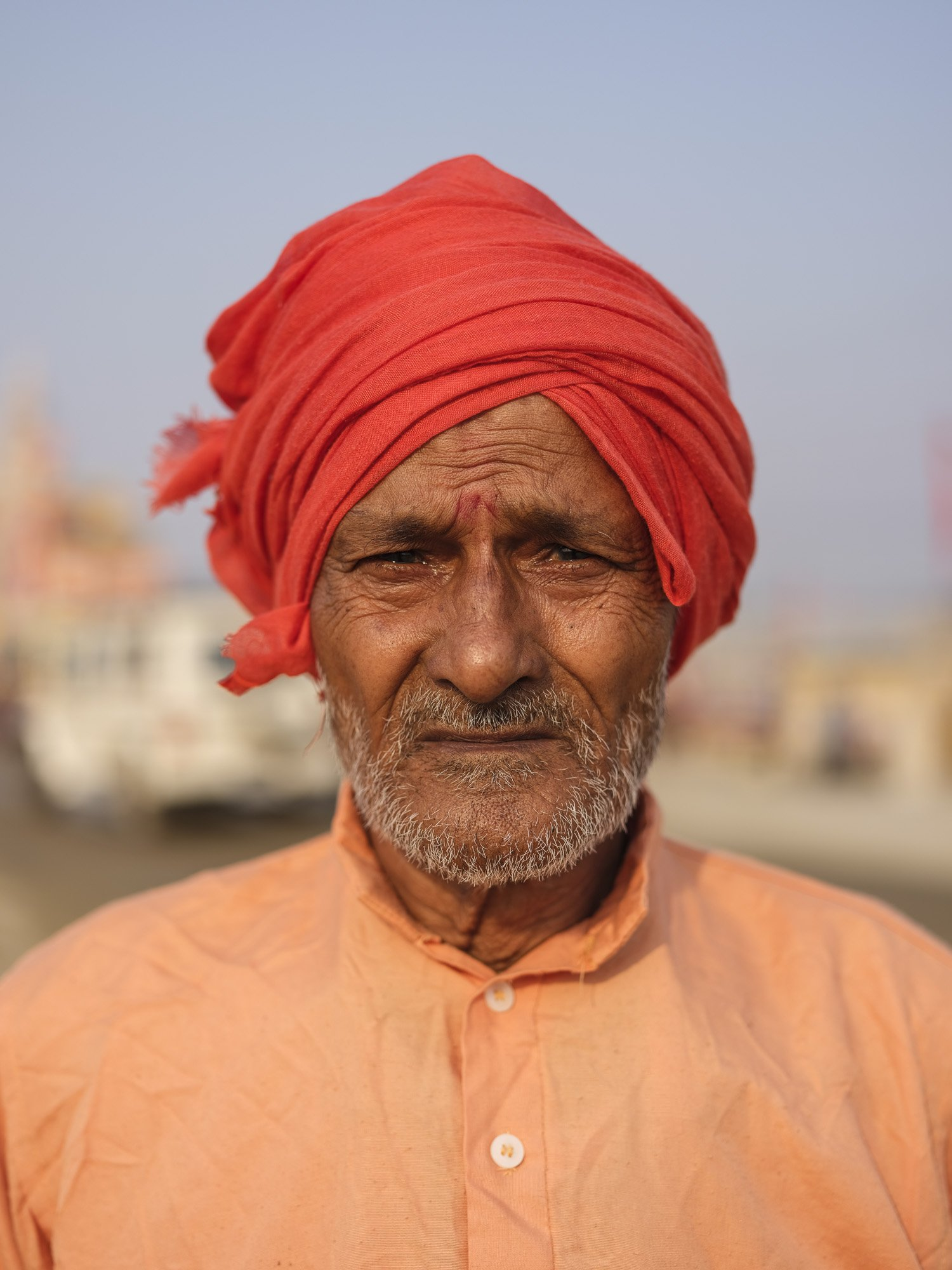 sunset portrait pilgrims Kumbh mela 2019 India Allahabad Prayagraj Ardh hindu religious Festival event rivers photographer jose jeuland photography