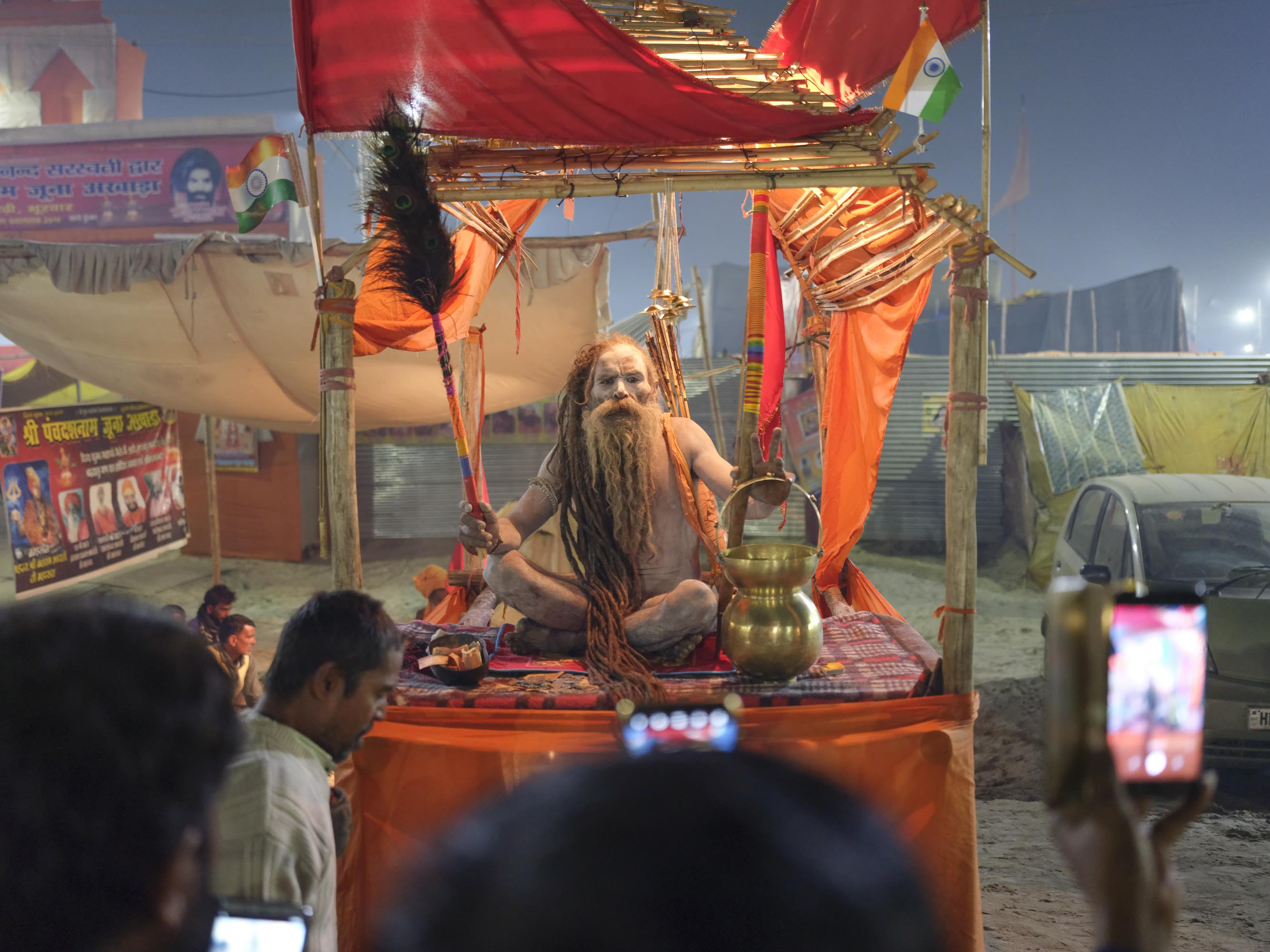 baba show night naked pilgrims Kumbh mela 2019 India Allahabad Prayagraj Ardh hindu religious Festival event rivers photographer jose jeuland photography