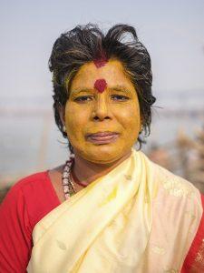 gfx 50R fujifilm portait women face paint yellow red pilgrims Kumbh mela 2019 India Allahabad Prayagraj Ardh hindu religious Festival event rivers photographer jose jeuland photography
