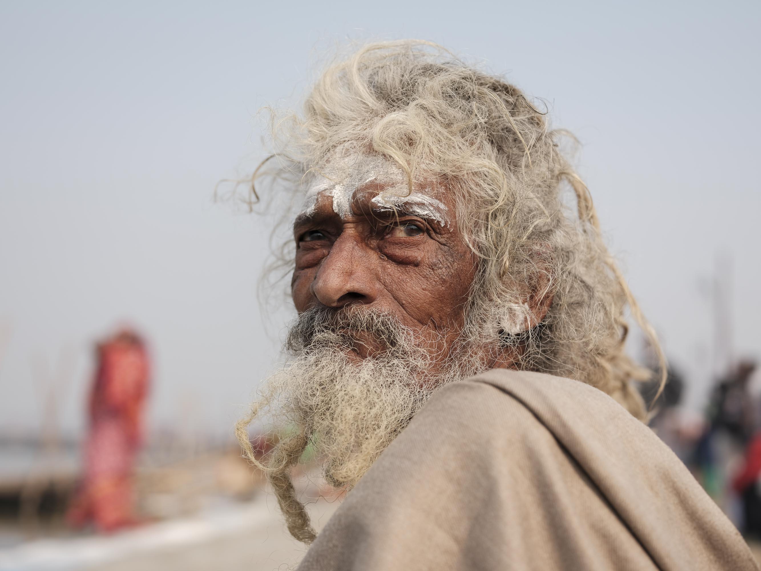 portrait old man after a bath pilgrims Kumbh mela 2019 India Allahabad Prayagraj Ardh hindu religious Festival event rivers photographer jose jeuland photography