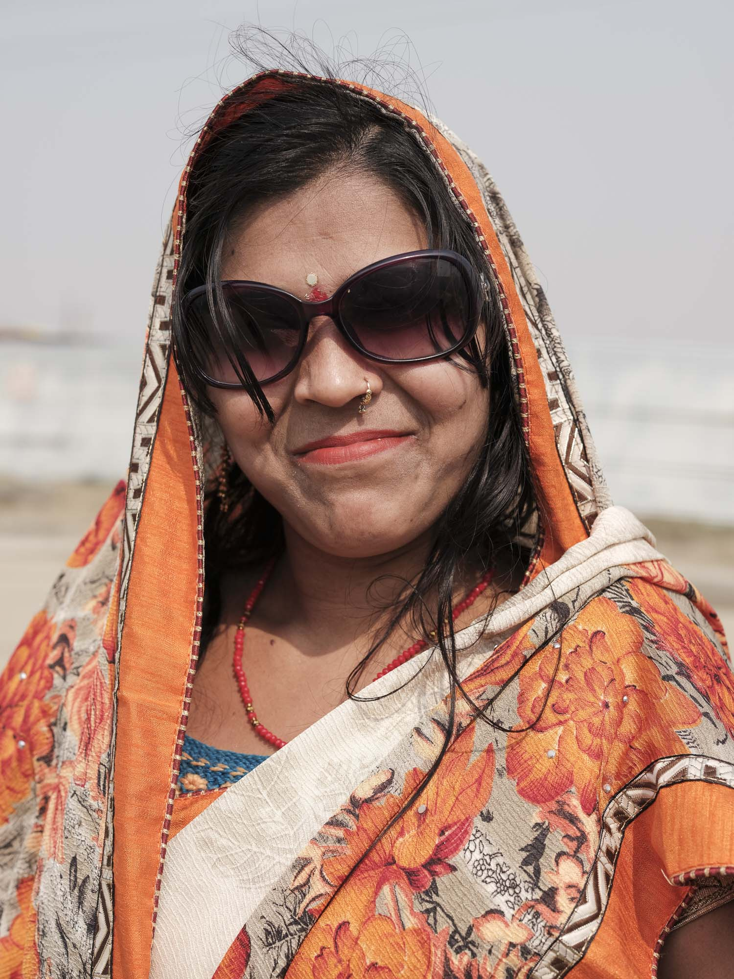 lady portrait sari pilgrims Kumbh mela 2019 India Allahabad Prayagraj Ardh hindu religious Festival event rivers photographer jose jeuland photography