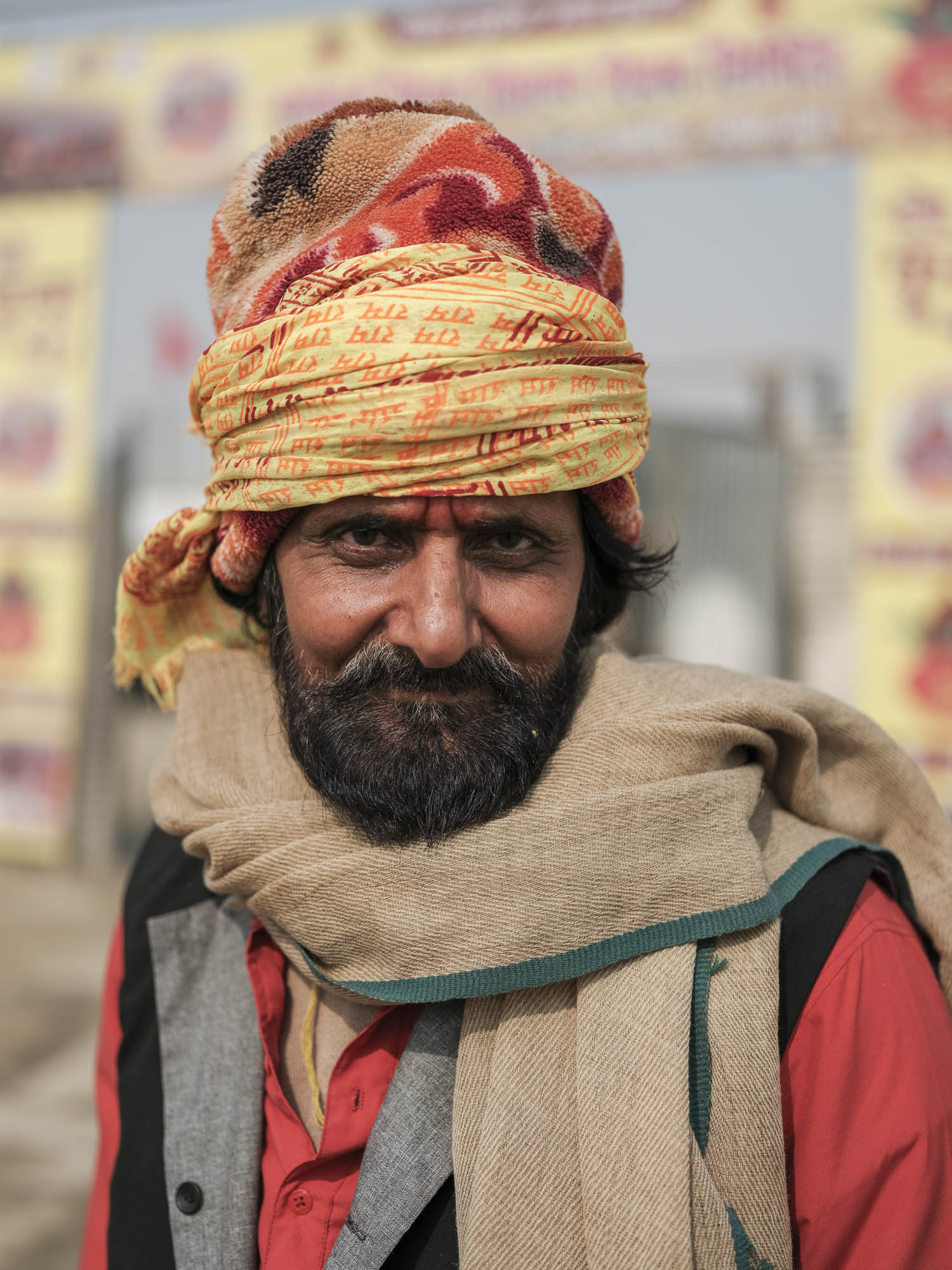 portait man pilgrims Kumbh mela 2019 India Allahabad Prayagraj Ardh hindu religious Festival event rivers photographer jose jeuland photography