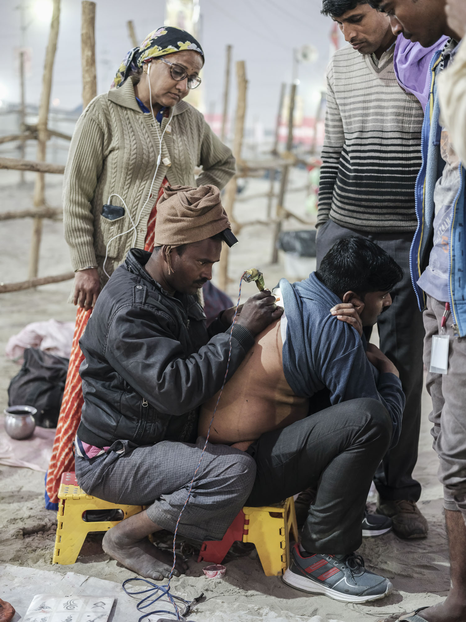 tattoo street village camp crowd 4 February pilgrims Kumbh mela 2019 India Allahabad Prayagraj Ardh hindu religious Festival event rivers photographer jose jeuland photography