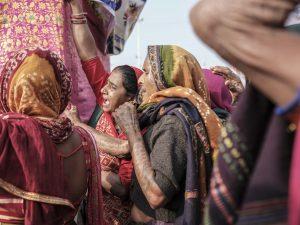 woman tattoo crowd 4 February pilgrims Kumbh mela 2019 India Allahabad Prayagraj Ardh hindu religious Festival event rivers photographer jose jeuland photography