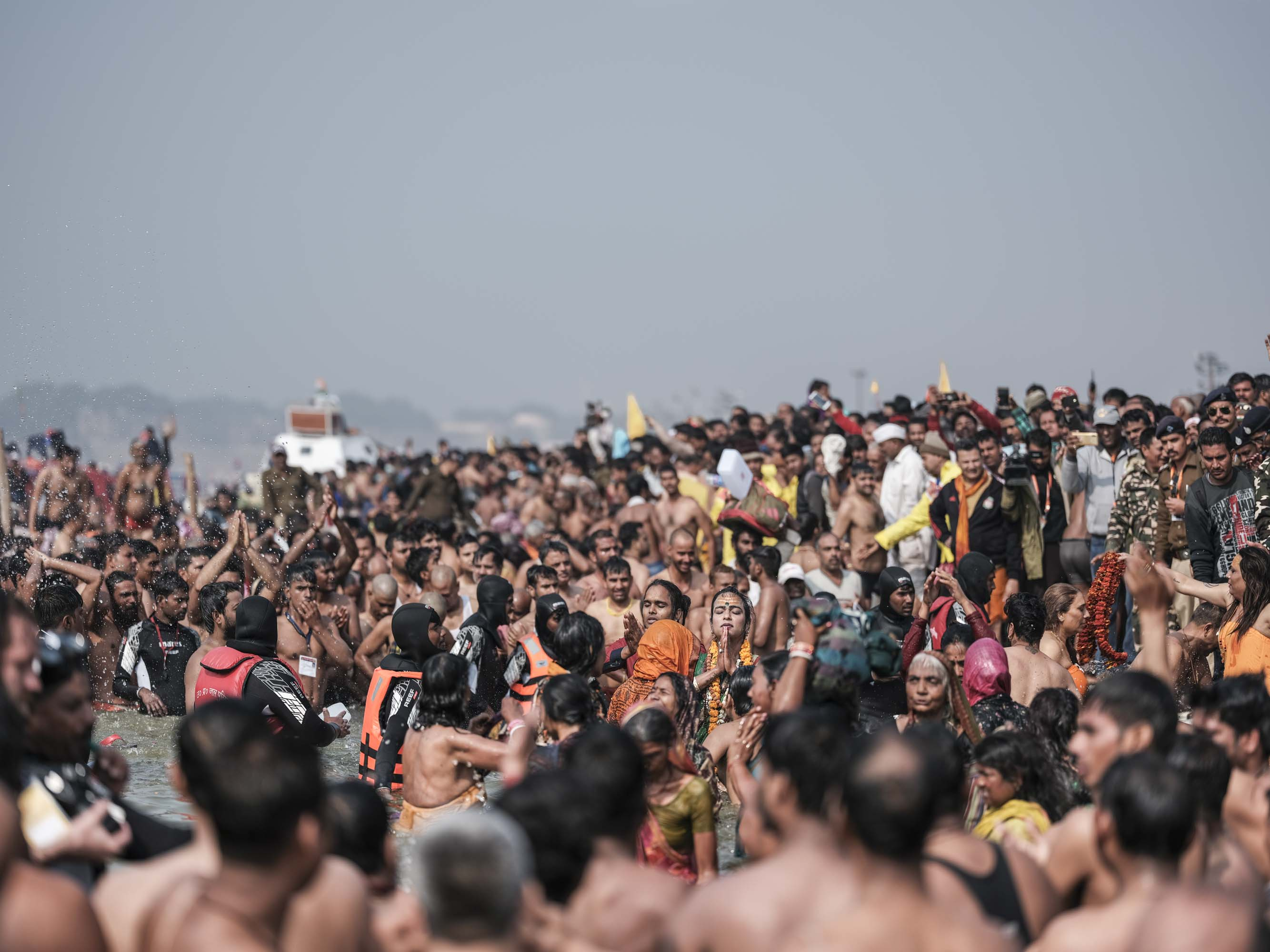 crowed transgender 4 February pilgrims Kumbh mela 2019 India Allahabad Prayagraj Ardh hindu religious Festival event rivers photographer jose jeuland photography
