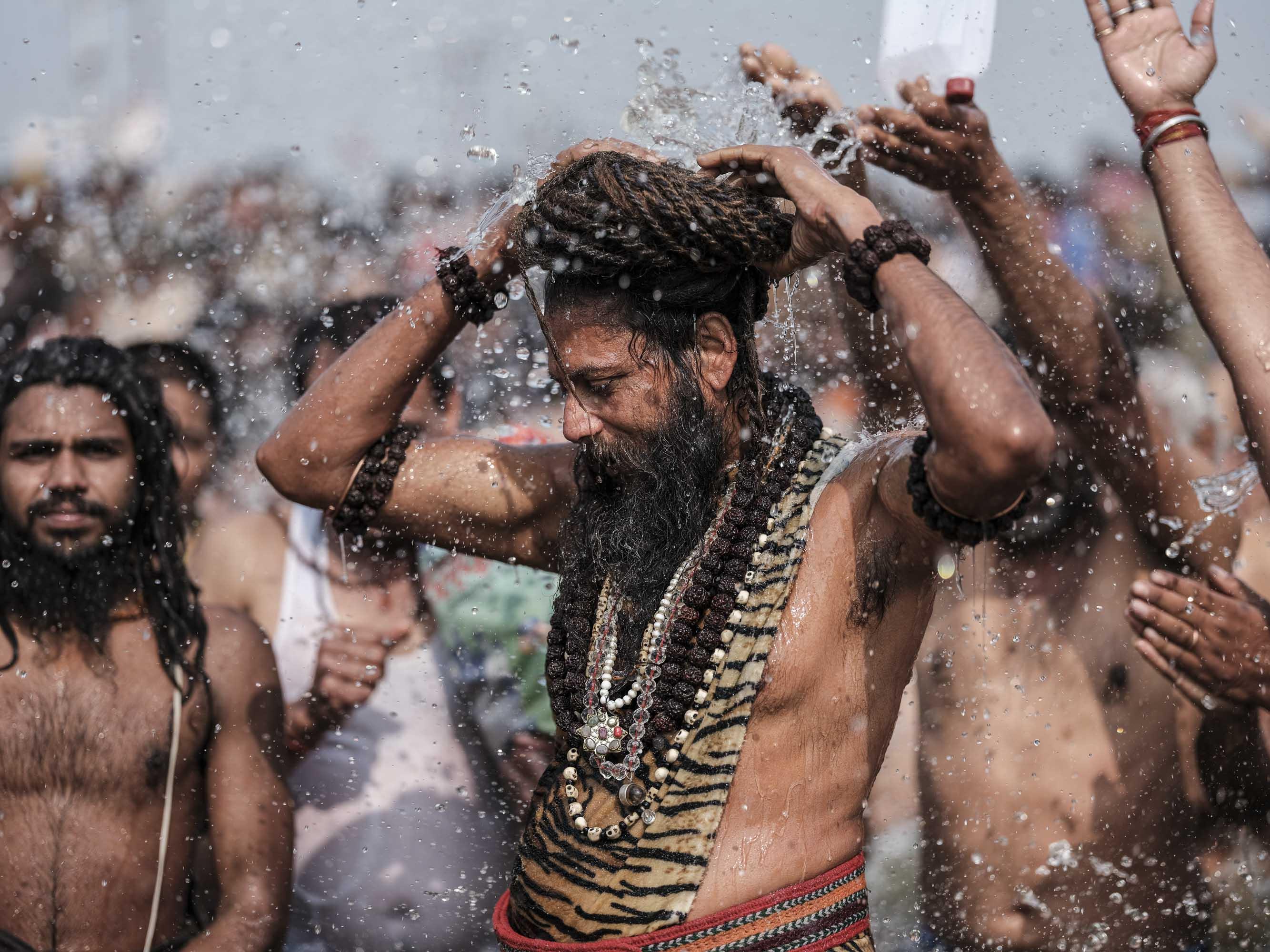 baba bath crowd 4 February pilgrims Kumbh mela 2019 India Allahabad Prayagraj Ardh hindu religious Festival event rivers photographer jose jeuland photography