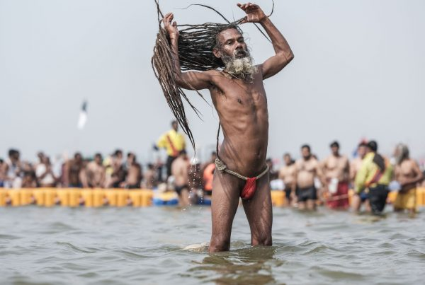 4 February baba long hair bath pilgrims Kumbh mela 2019 India Allahabad Prayagraj Ardh hindu religious Festival event rivers photographer jose jeuland photography