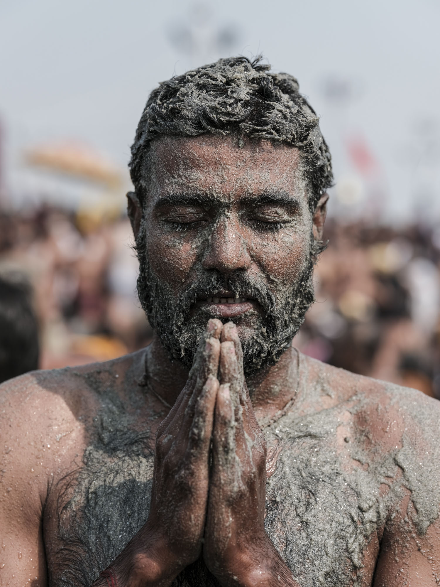 4 february man prayer pilgrims Kumbh mela 2019 India Allahabad Prayagraj Ardh hindu religious Festival event rivers photographer jose jeuland photography