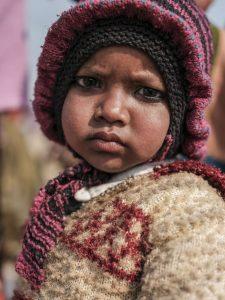 baby kid pilgrims Kumbh mela 2019 India Allahabad Prayagraj Ardh hindu religious Festival event rivers photographer jose jeuland photography FUJIFILM GFX50R