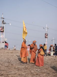 group baba pilgrims Kumbh mela 2019 India Allahabad Prayagraj Ardh hindu religious Festival event rivers photographer jose jeuland photography