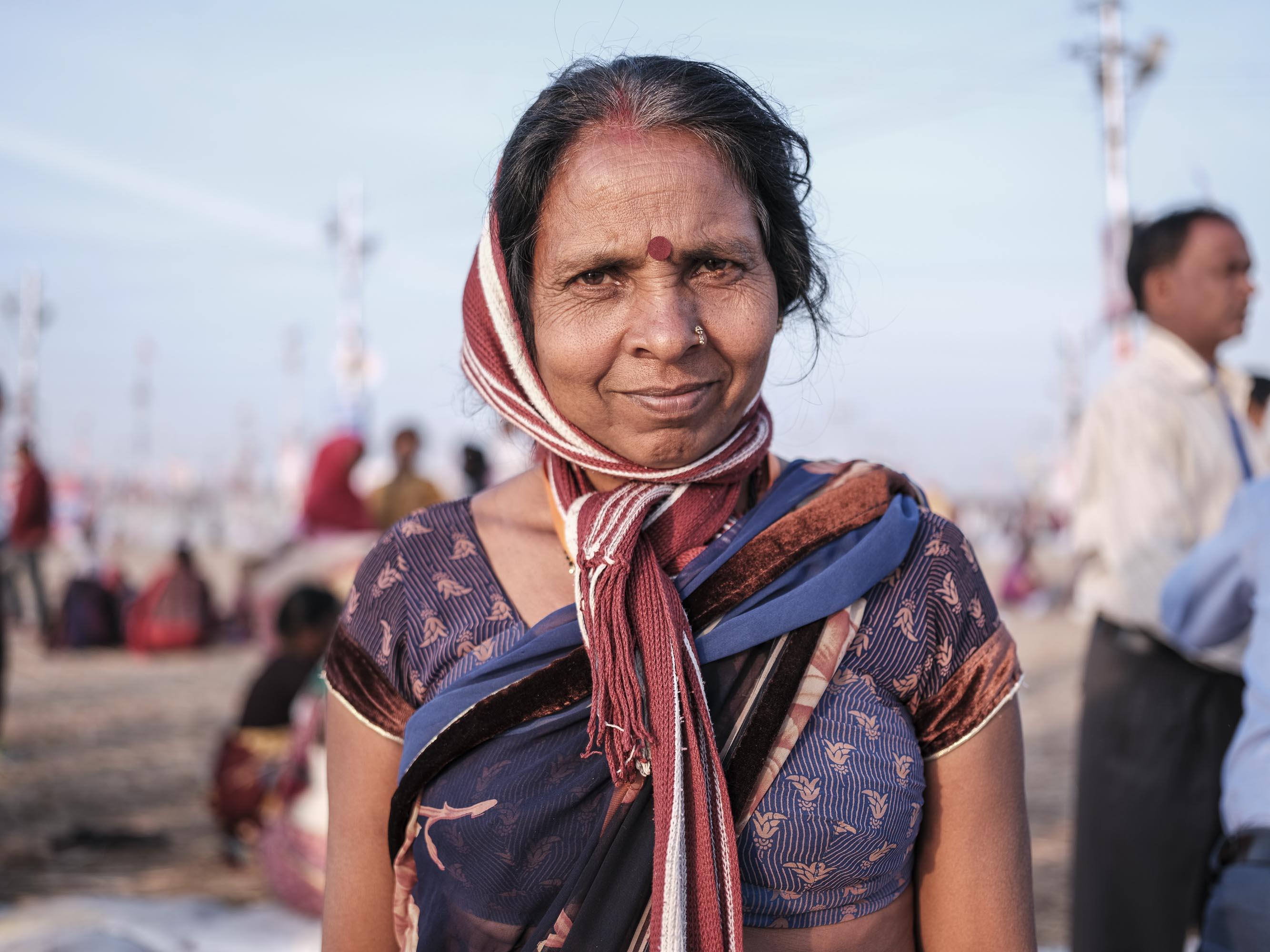 after bath lady pilgrims Kumbh mela 2019 India Allahabad Prayagraj Ardh hindu religious Festival event rivers photographer jose jeuland photography