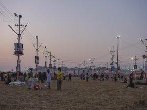 sunset after bath pilgrims Kumbh mela 2019 India Allahabad Prayagraj Ardh hindu religious Festival event rivers photographer jose jeuland photography