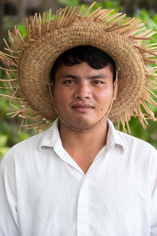 Headshot Corporate Photographer Singapore Jose Jeuland Portrait Photography studio Asia hotel staff